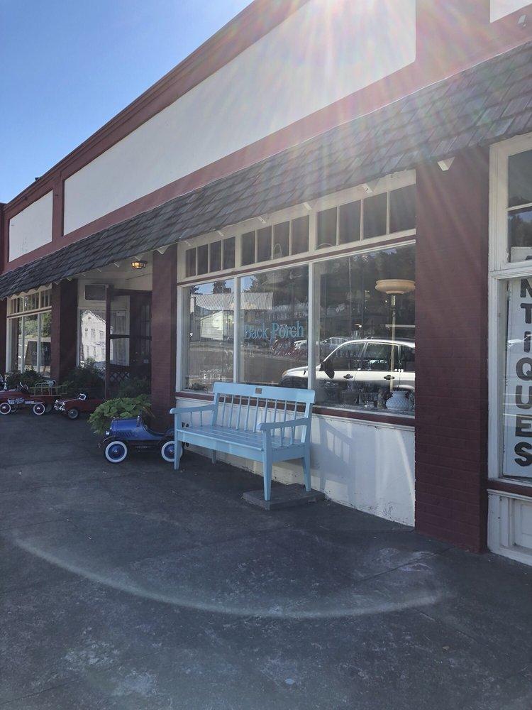 Back Porch Vintage: 21620 Main St NE, Aurora, OR
