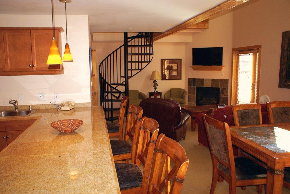 Snakedance Condominiums: 110 Sutton Pl, Taos Ski Valley, NM
