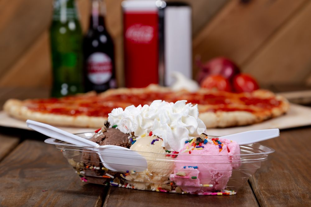 Scoops Pizza and Ice Cream: 205 S Broadway Ave, Red Lodge, MT