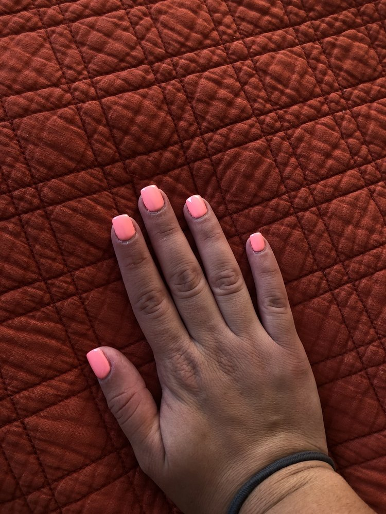 Luxury Nails & Spa: 28-01 Broadway, Fair Lawn, NJ
