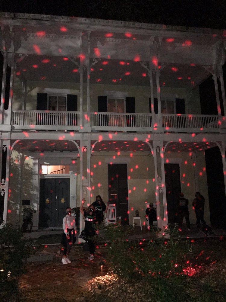 McRaven Tour Home: 1445 Harrison St, Vicksburg, MS
