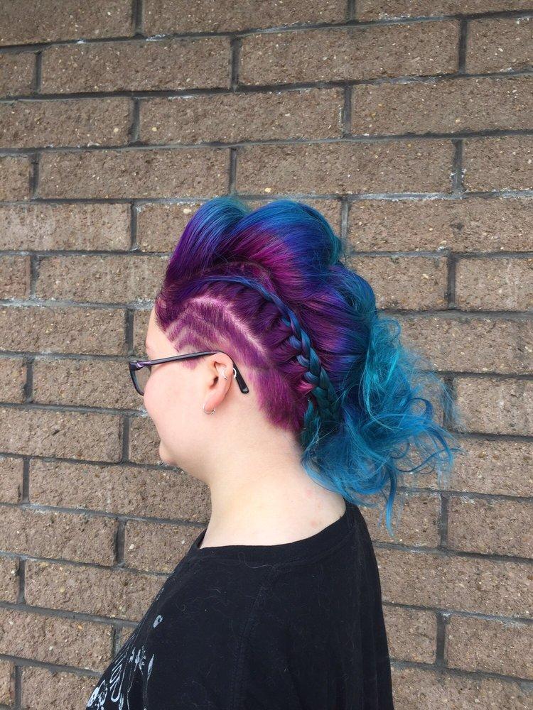 Hair Essence: 1112 Niles Cortland Rd, Niles, OH