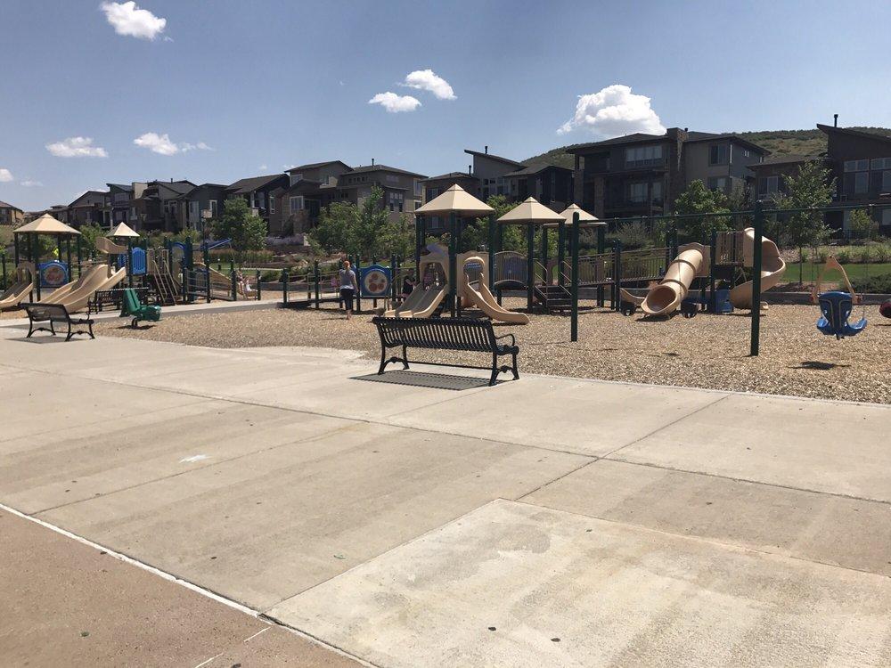 Prairie Sky Park: 9381 Crossington Way, Lone Tree, CO
