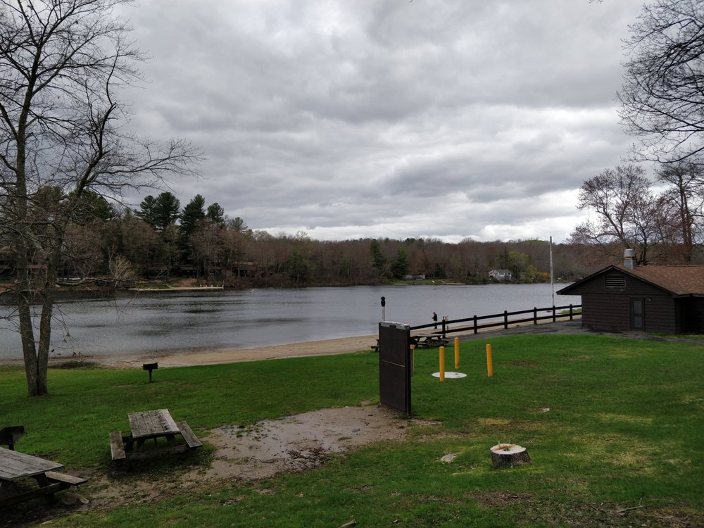 Mount Tom State Park: Old Town Rd, Litchfield, CT