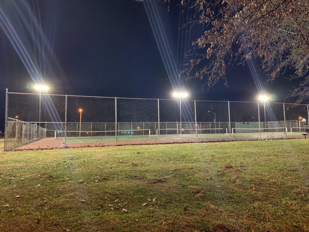 Columbia City Park: 208 S Rapp Ave, Columbia, IL