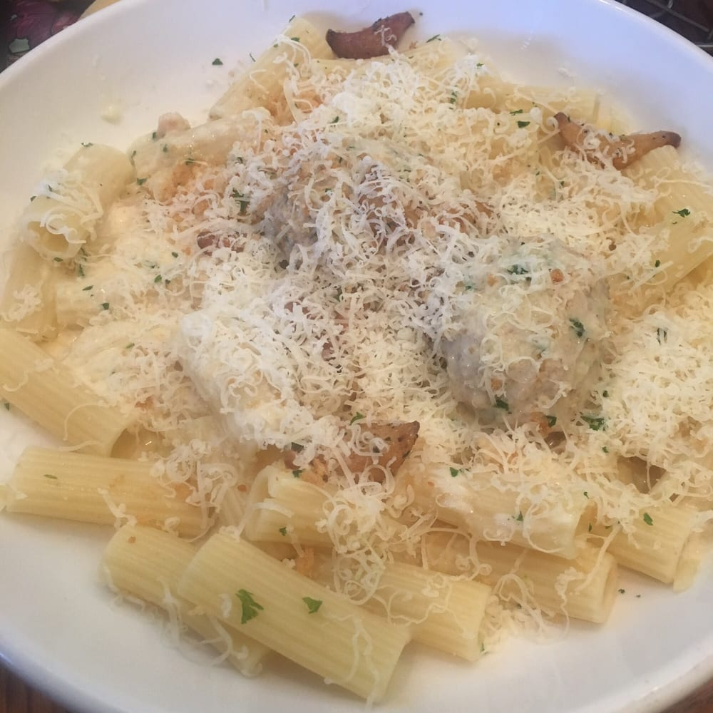 Rigatoni With Chicken Meatballs Asiago Garlic Alfredo Sauce And Parmesan Yelp