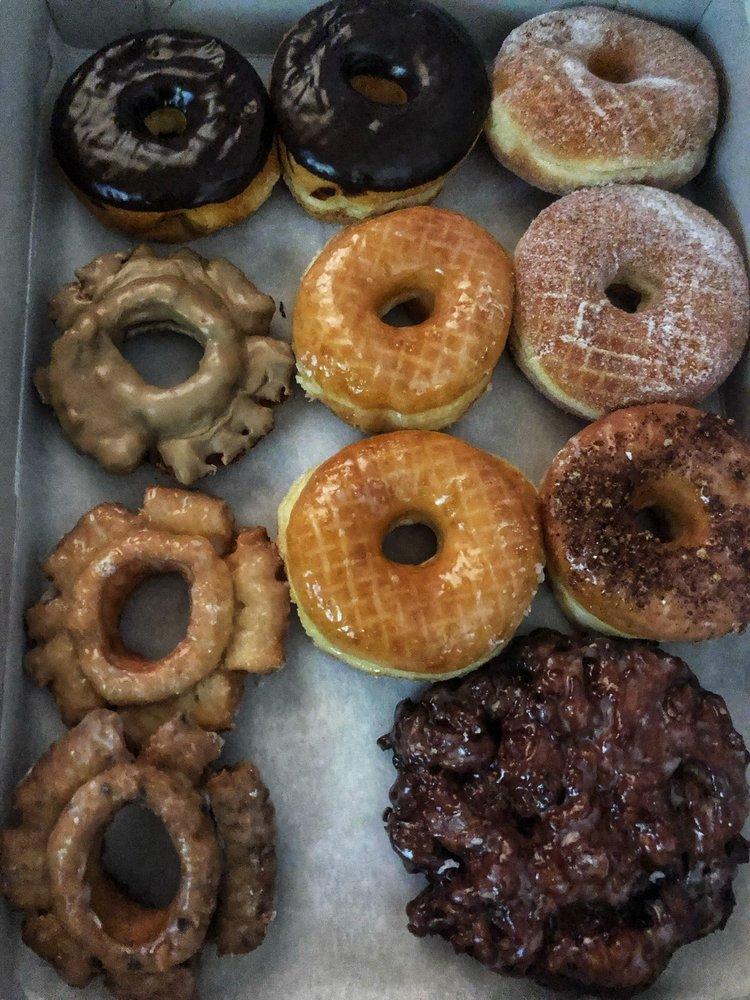 Simply Donuts / Deli