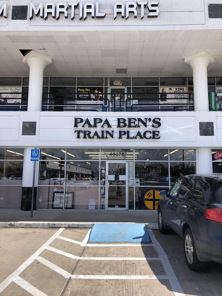 Papa Ben's Train Place