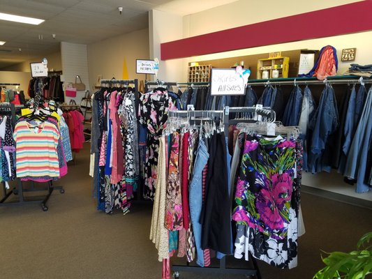 7f04f70ee0 Curvy Girl Kate s Resale 10366 W Overland Rd Boise