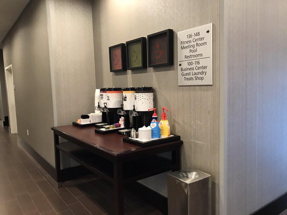 Hampton Inn & Suites - Reno West