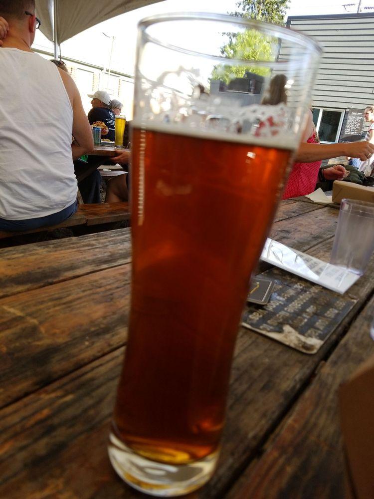 Baerlic Brewing Company: 6035 NE Halsey St, Portland, OR