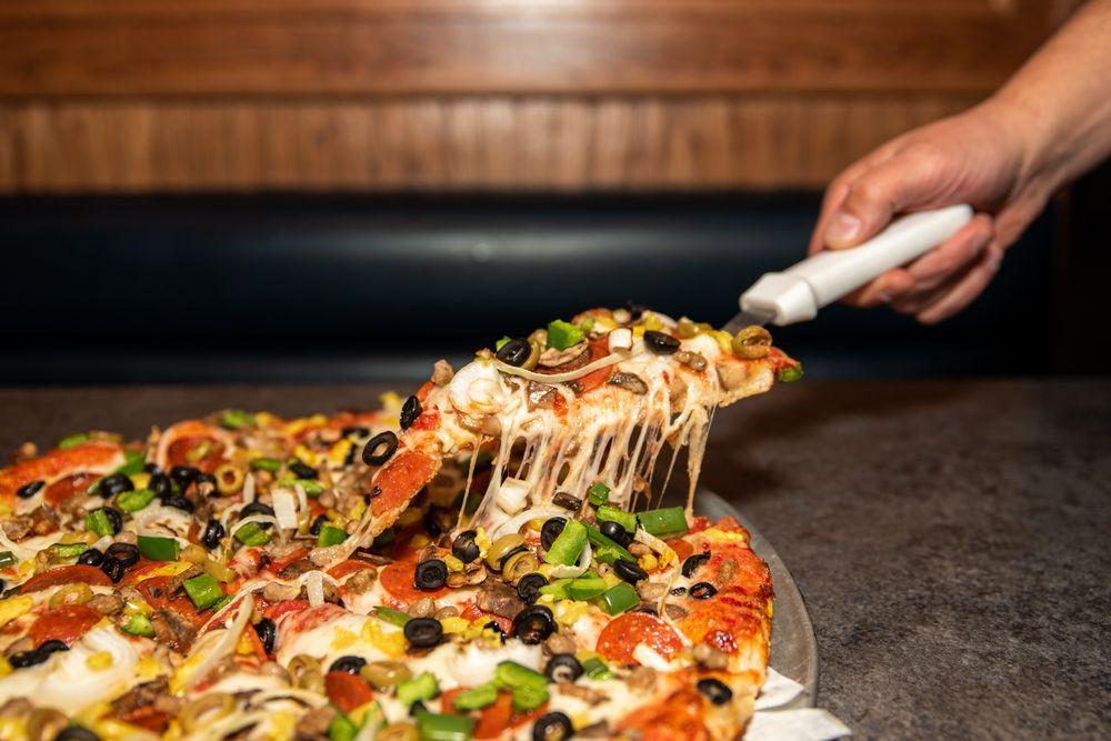 Say Cheese Pizza: 1771 Love Rd, Grand Island, NY