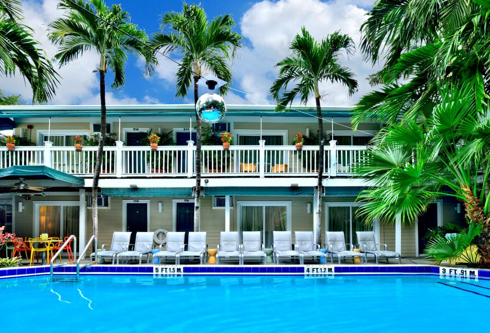 Island House: 1129 Fleming St, Key West, FL