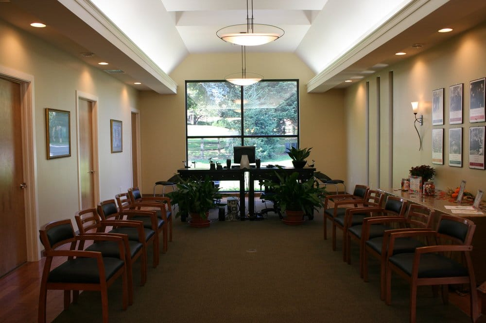 Family Tree Chiropractic: 904 Dawn Ave, Ephrata, PA