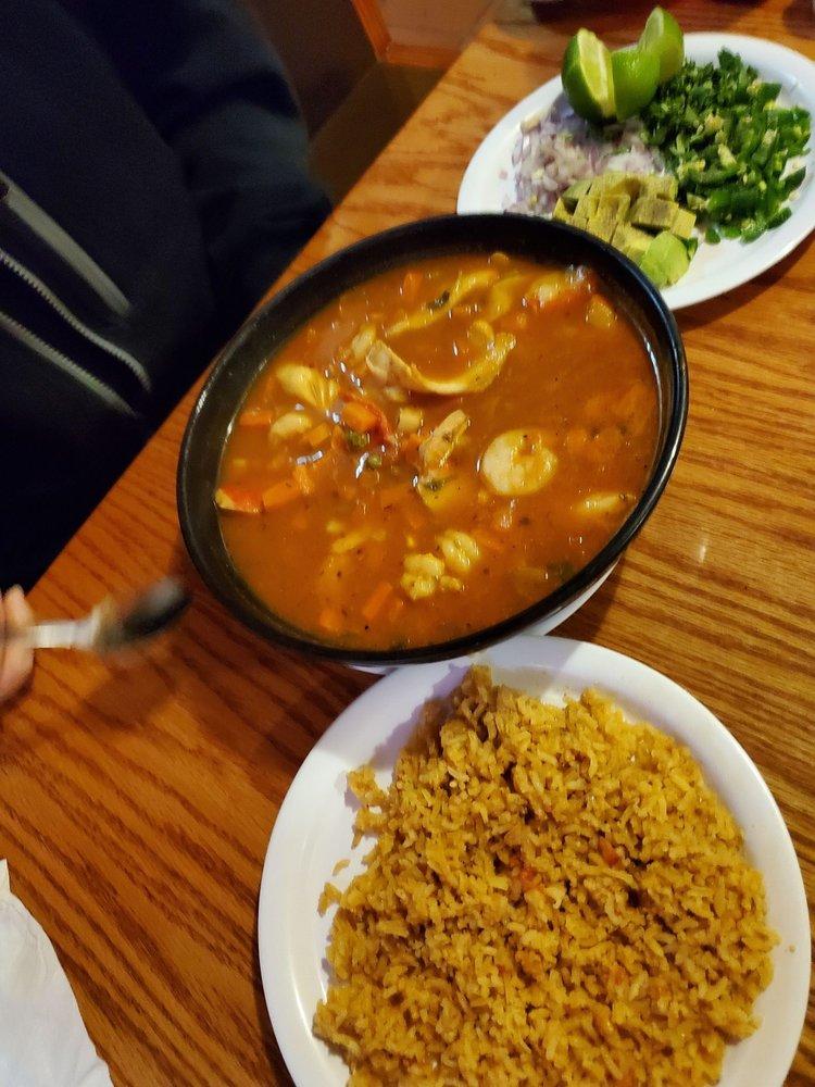 Food from Los Potrillos