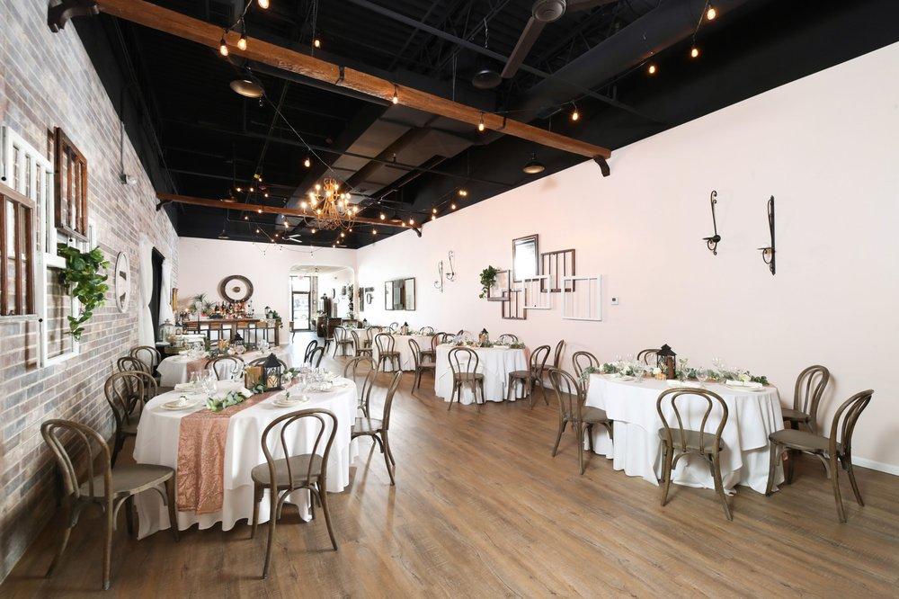 Magnolia's Weddings and Events: 389 Bartlett Plz, Bartlett, IL