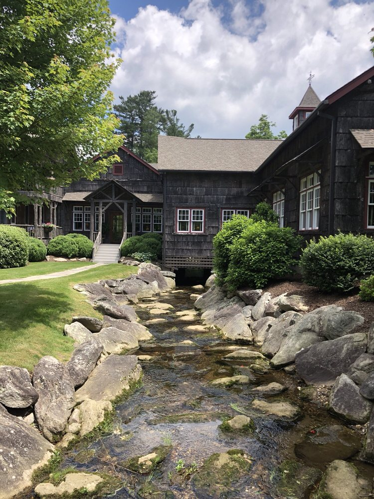 Eseeola Lodge: 175 Linville Ave, Linville, NC