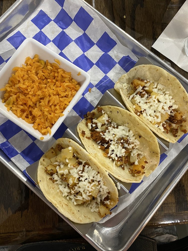 Blue Cactus Tacos & Tequila Bar: 188 W Jefferson St, Franklin, IN