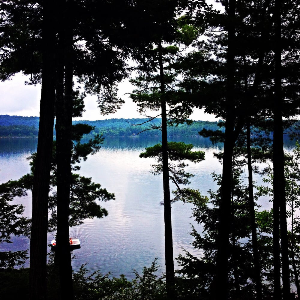 Lake Sunset Lakehouse: Benson, VT