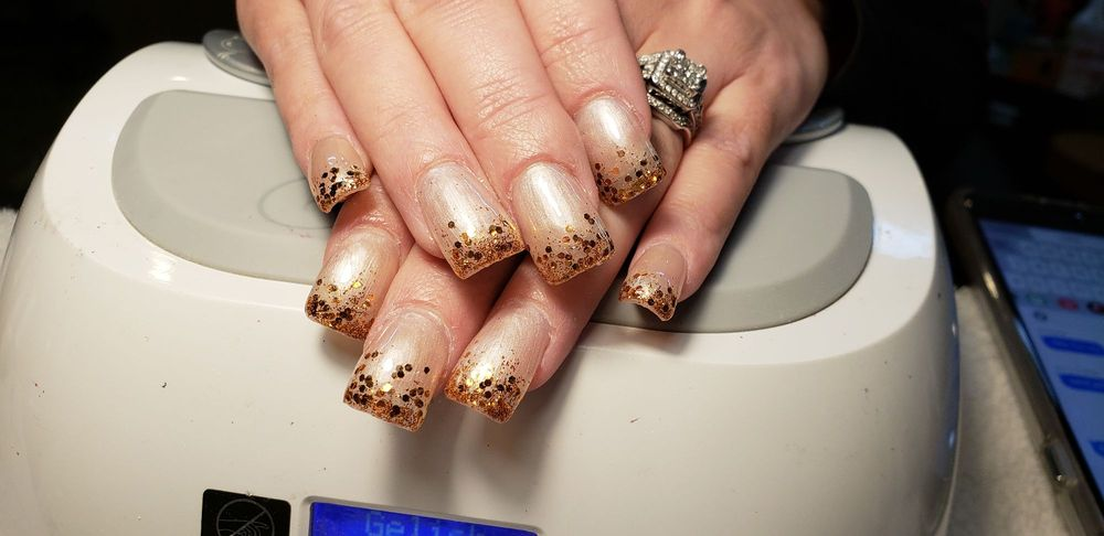 Amy's Nails: 276 S 2nd Ct, Coos Bay, OR