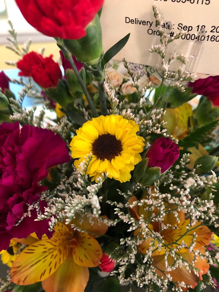 Sunnycrest Flowers: 7502 E State St, Lowville, NY
