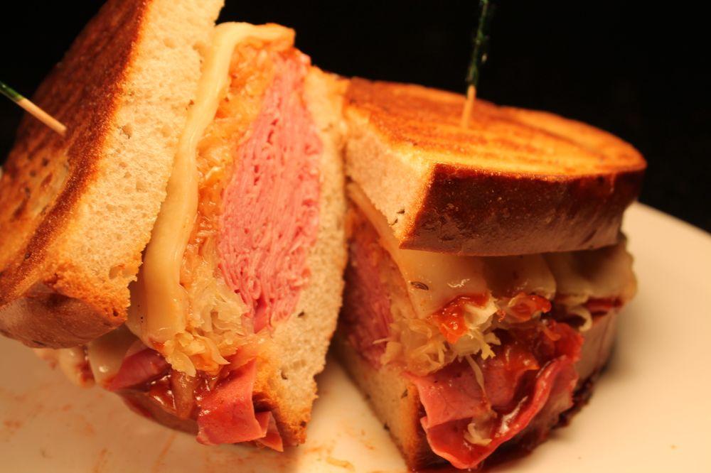 Lunch Box Deli: 17018 Mack Ave, Grosse Pointe, MI