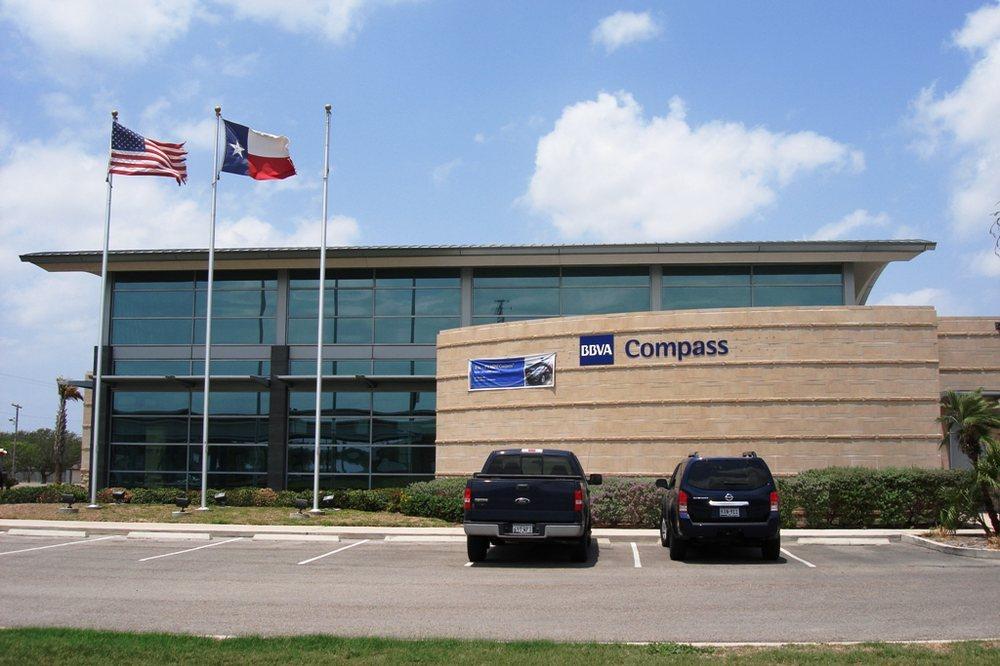 BBVA Bank: 1001 North US Highway 77 Bypass, Bishop, TX