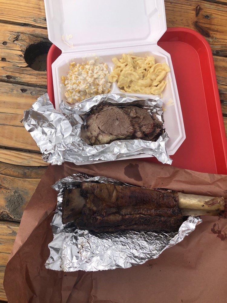 Cowboy Smokehouse BBQ: 1829 E State Hwy 97, Pleasanton, TX