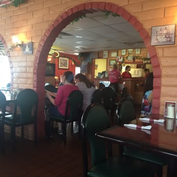 Gino S Italian Restaurant Pizzeria 46 Photos 110 Reviews