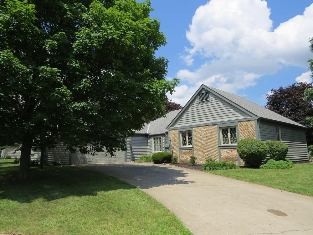 The Barker Team - HER Realtors: 4183 Parkway Centre Dr, Grove City, OH