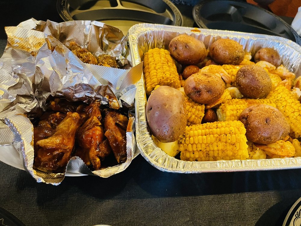 Just Mike's Seafood and More: 2103 Veterans Blvd, Dublin, GA