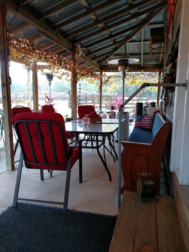 O'Farrell Country Vineyards: 7125 Fm Rd 995, Atlanta, TX