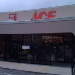 Ace Hardware St Simons  苗床&園芸  1701 Frederica Rd, St. Large Rectangular Chandelier. Farm Kitchen Sink. Jarvis Appliance. Reach In Closet. Tv Dresser. Leather Wall Panels. Entryway Chest. Formal Living Room Ideas