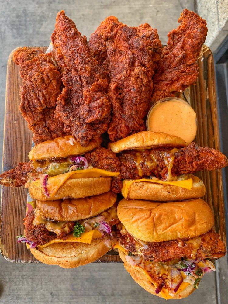 Dave's Hot Chicken: 7715 SW Nyberg St, Tualatin, OR