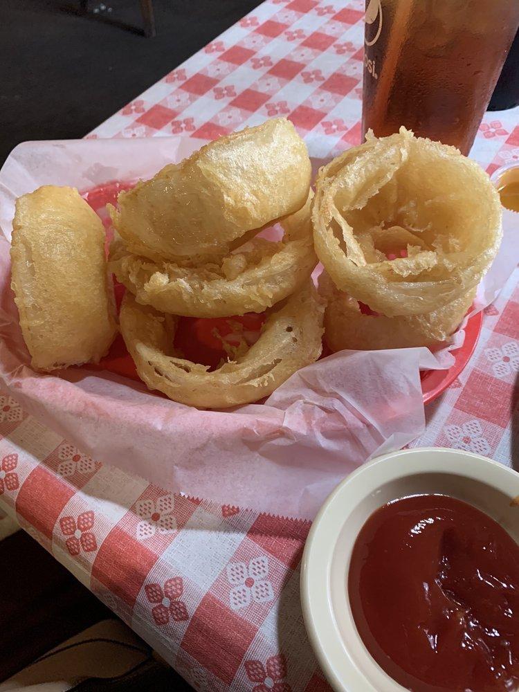 Smoke House County Grill: 941 Maddox Dr, Ellijay, GA
