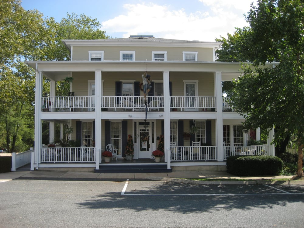 The Blue Max Inn: 300 Bohemia Ave, Chesapeake City, MD