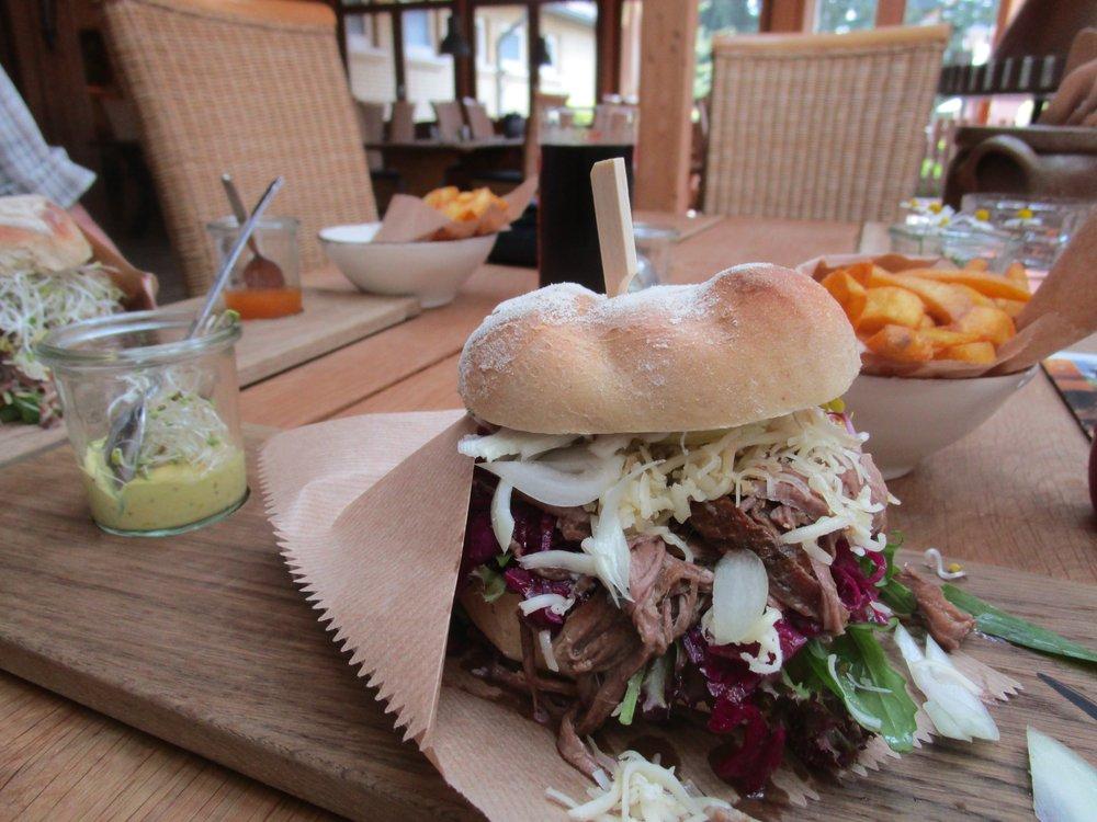 Wikingerschänke am Runenstein - Restaurants - Am Margarethenwall 2 ...