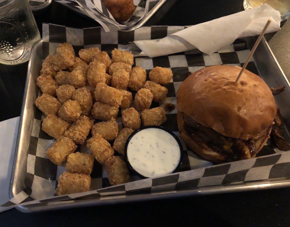 Smokin' Barrels Burgers & BBQ: 1095 S Fortuna Blvd, Fortuna, CA
