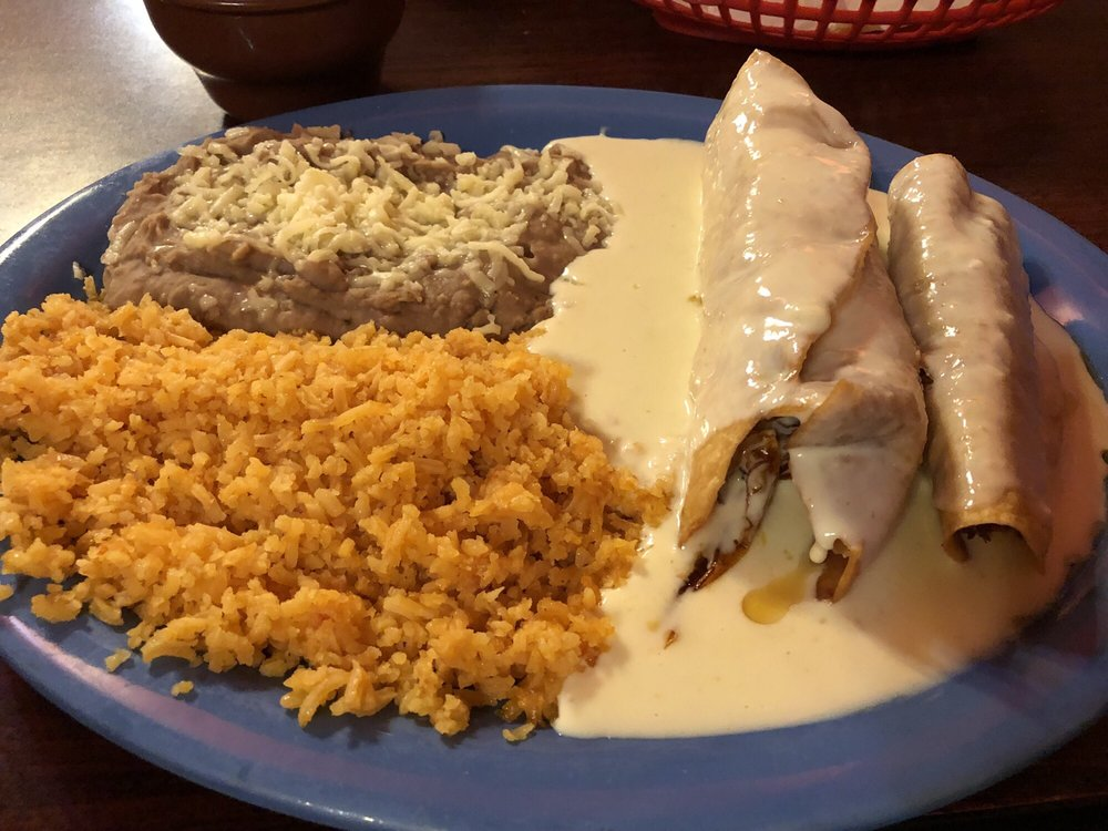 La Fiesta Mexican Restaurant: 925 US Highway 80 E, Demopolis, AL