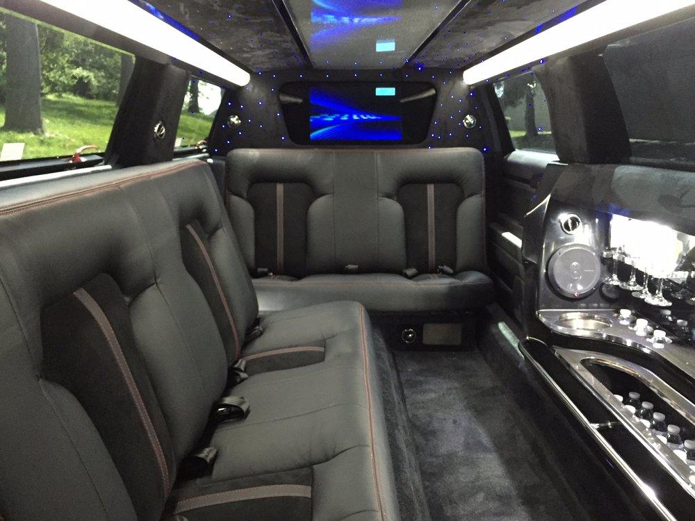 Martin's Sedan and Limousine Service: 7537 Rickenbacker Dr, Gaithersburg, MD
