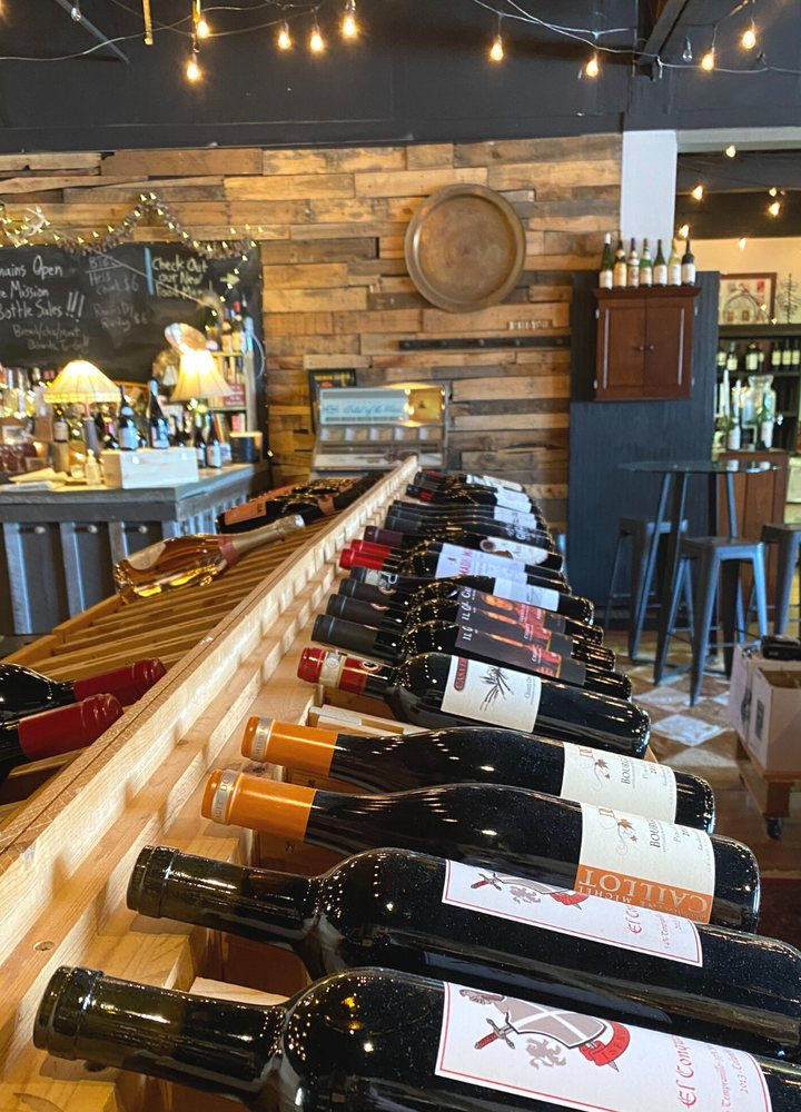 Colonial Wine and Beverage: 8389 Mayfield Rd, Chesterland, OH