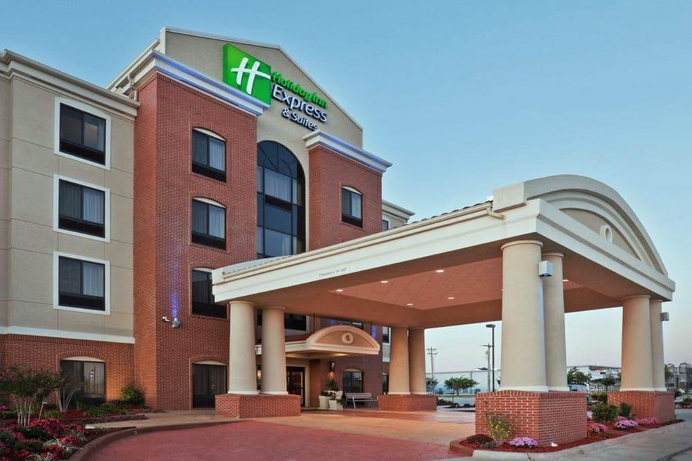 Holiday Inn Express & Suites Greensburg: 137 Blair St, Greensburg, PA