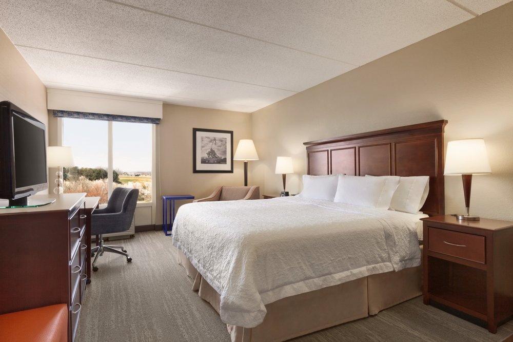 Hampton Inn Dulles Cascades: 46331 McClellan Way, Sterling, VA