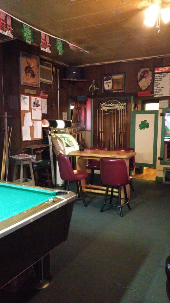 Lucky Inn: 3017 Main St, Lewiston, ID