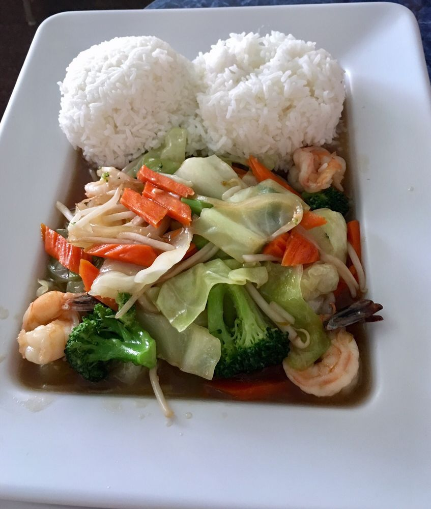 Mai Thai: 34 N Front St, Central Point, OR