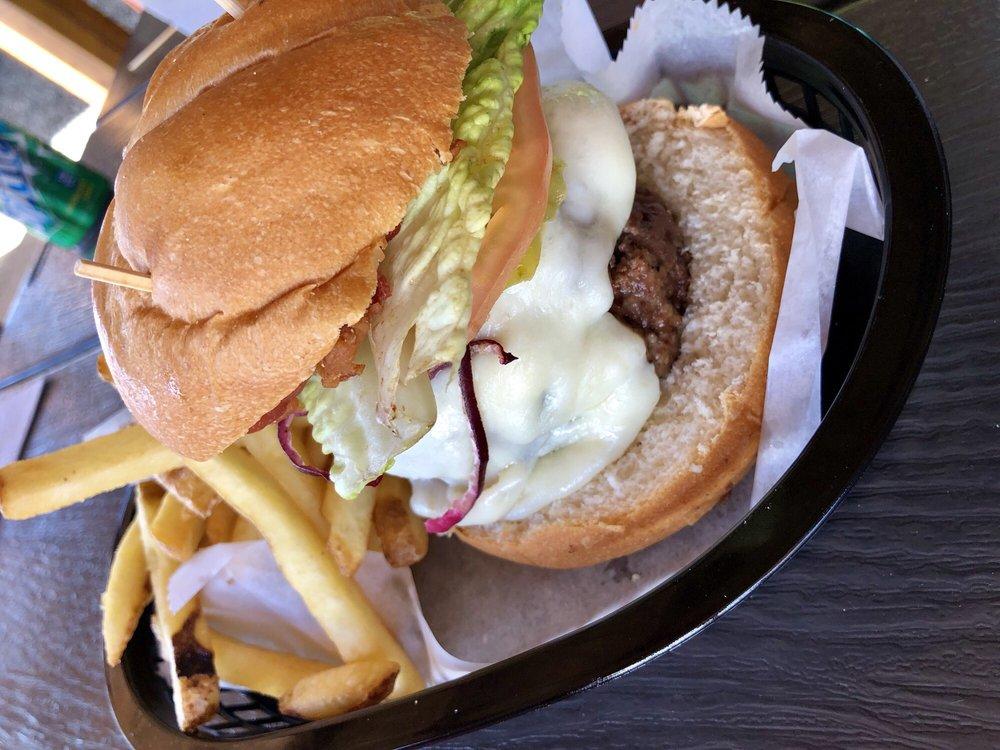Latin Burger Grill: PR-955 S/N, Río Grande, PR