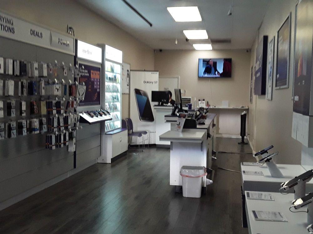 MetroPCS: 952 E Alosta Ave, Azusa, CA