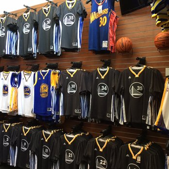 promo code 65af1 03a2e Golden State Warriors Team Store - CLOSED - 113 Photos & 138 ...