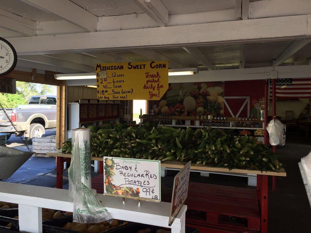 Campbell's Farm Market: 3619 E 10 Mile Rd, Warren, MI
