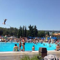 Queen elizabeth outdoor pool kinsmen spray park - West vancouver swimming pool schedule ...